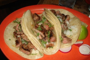 Cantina Los Caballitos steak tacos